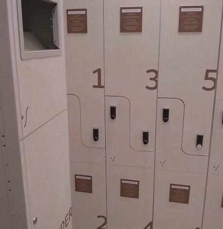 Personalização de portas de armário de vestiários 1