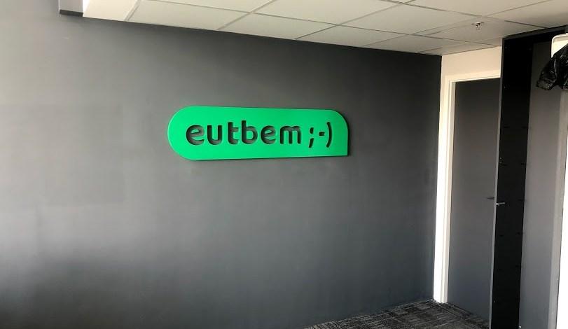 Logotipo para decoração de escritório 1