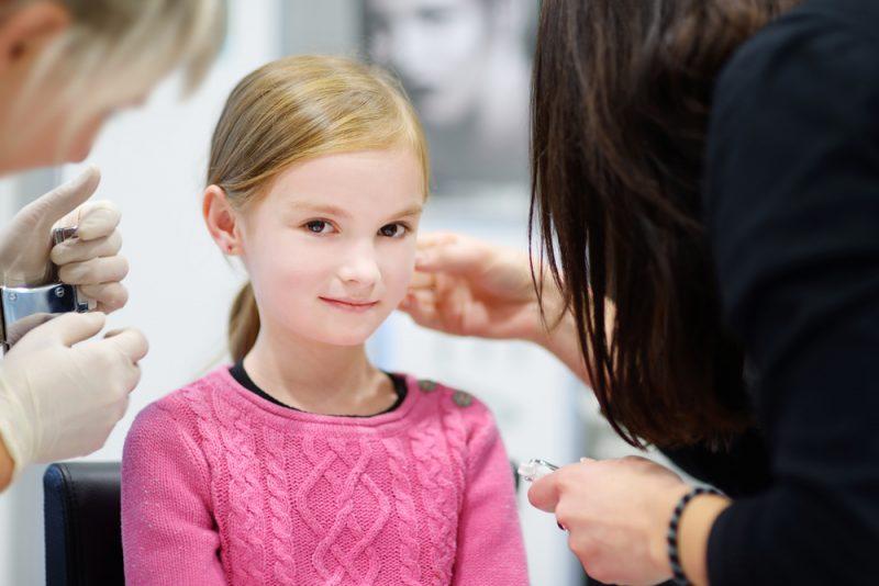 oorbellen bij kinderen