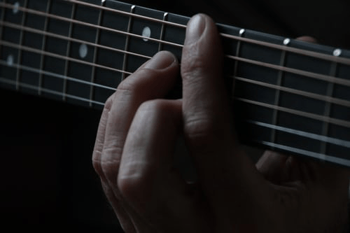 guitar and hand loudink