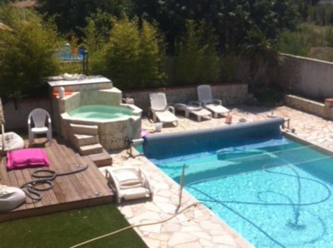 Loue piscine avec jacuzzi sans vis a vis