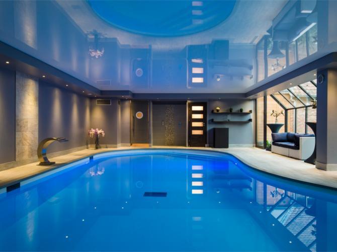 Espace piscine avec jacuzzi et Hammam