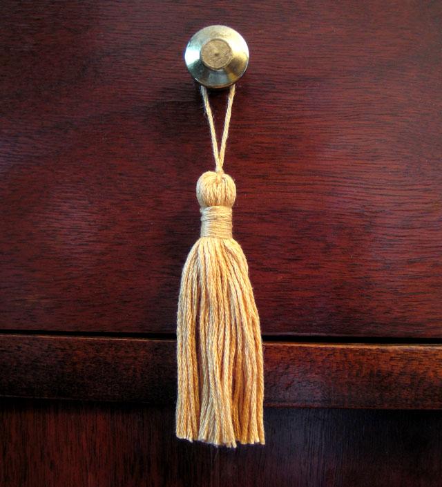 embroidery-floss-tassel-2