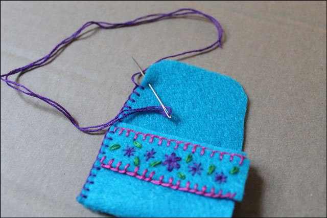 making-the-ring-pouch