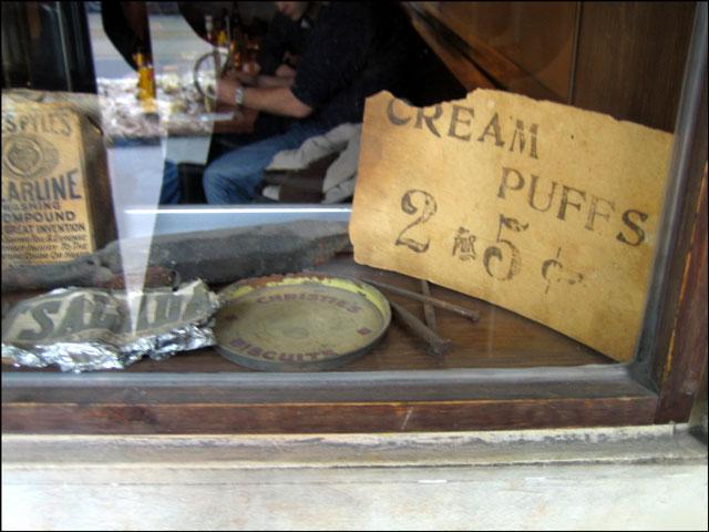 vintage-cream-puffs-sign