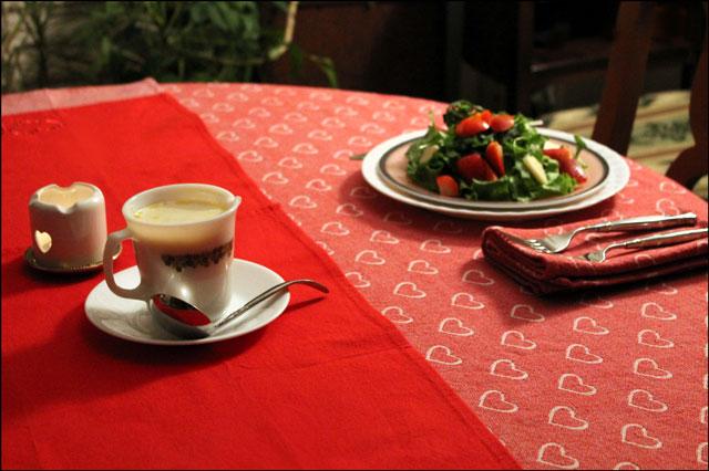 salad-on-table