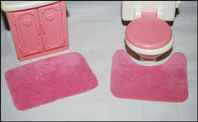 dollhouse-bathroom-mats