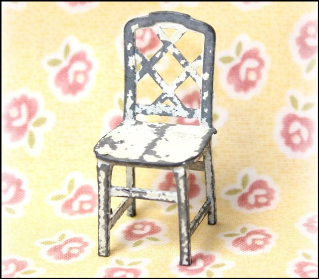 metal-chair-dollhouse