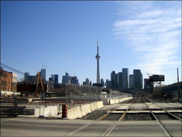 tracks-towards-the-city