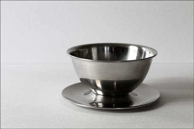 thrifted-oneida-gravy-bowl