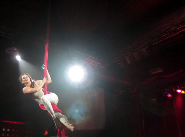 silks-performer-patrizia-Katelyn McCulloch