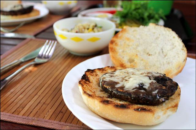 grilled-mushroom-burger