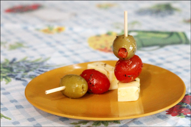 marinated cheese tomato and olive appetizers