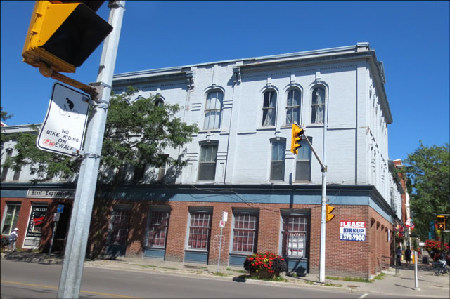building-in-cobourg