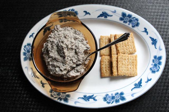 olive-cream-cheese-spread