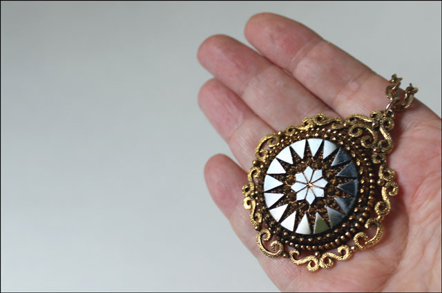 vintage-pendent-with-cut-glass