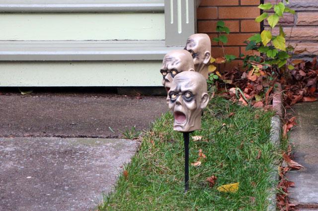 zombie-head-halloween-decor