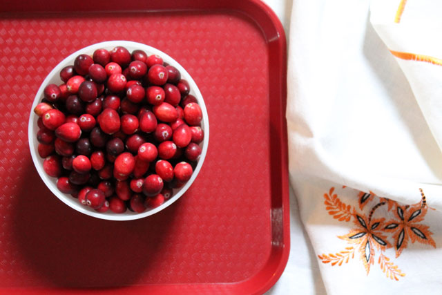 bowl-of-fresh-cranberries