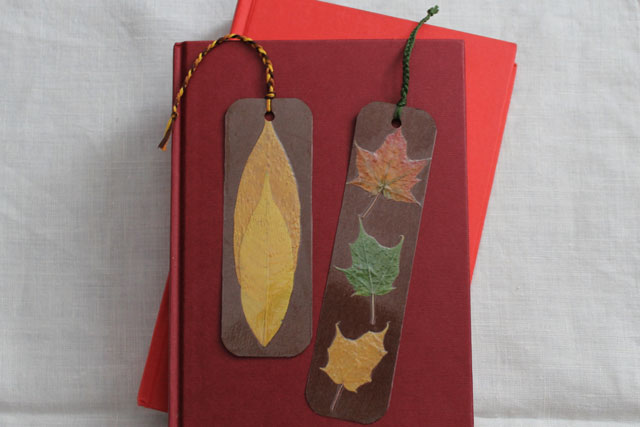 diy-bookmarks-with-pressed-leaves