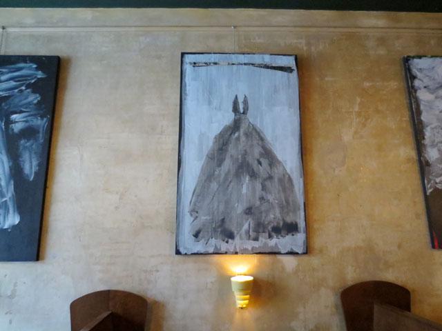 art-stan-olthuis-queen-mother