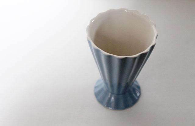 thrifted-vintage-light-blue-vase