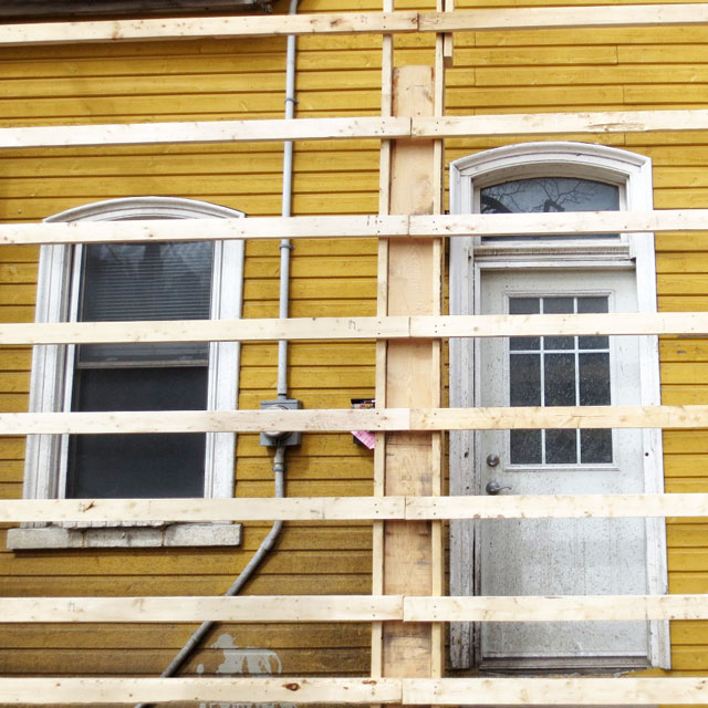 old-yellow-house-before-tear-down2