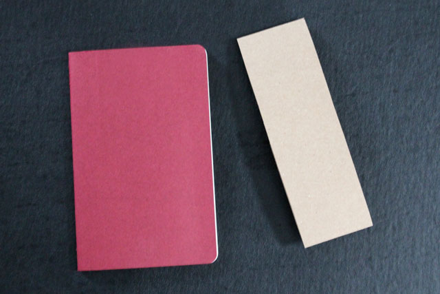 paper-sleeve-bookmark-for-moleskine