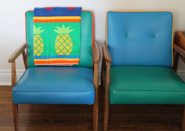 thrifted-beach-towel-on-coloured-chairs