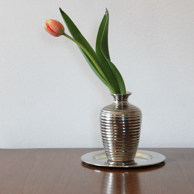 tulip-in-a-thrifted-vase-02