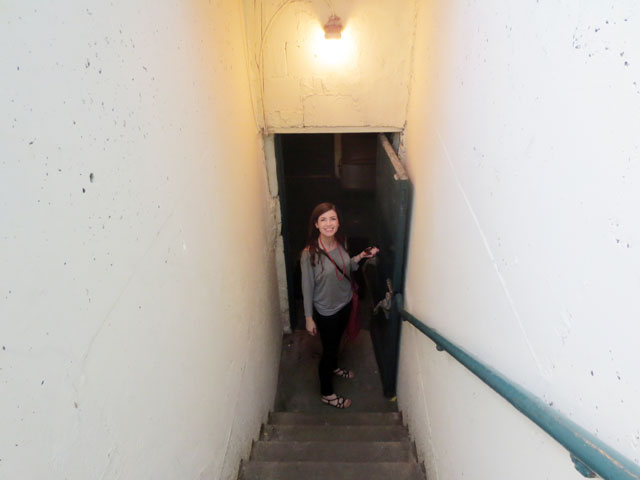 julie-on-stairs-02