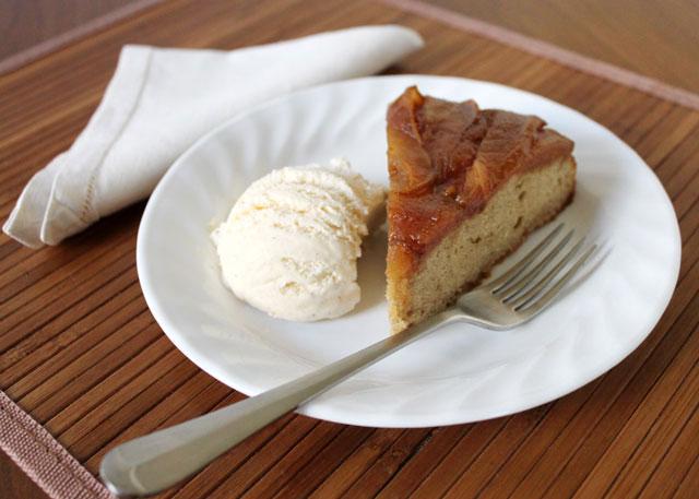 pear-upside-down-cake-with-vanilla-ice-cream