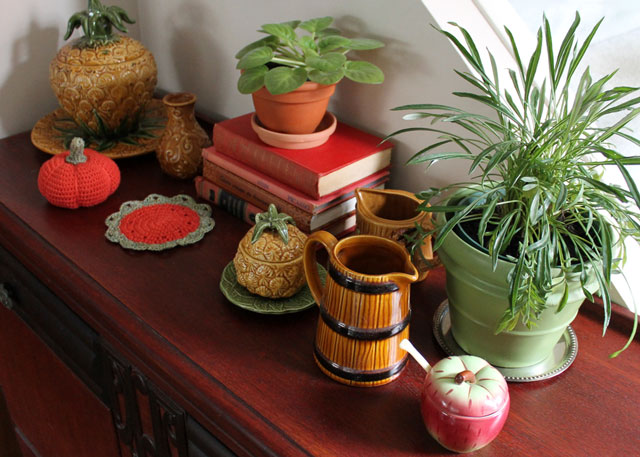 decorating-for-fall-with-crochet