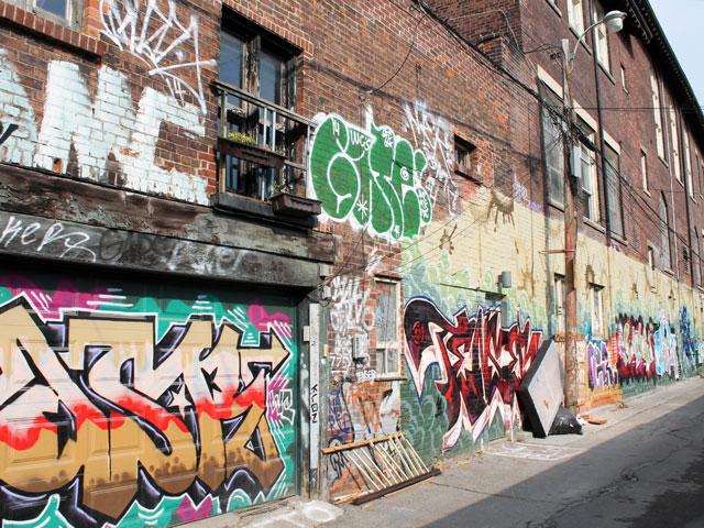 graffiti-laneway-toronto