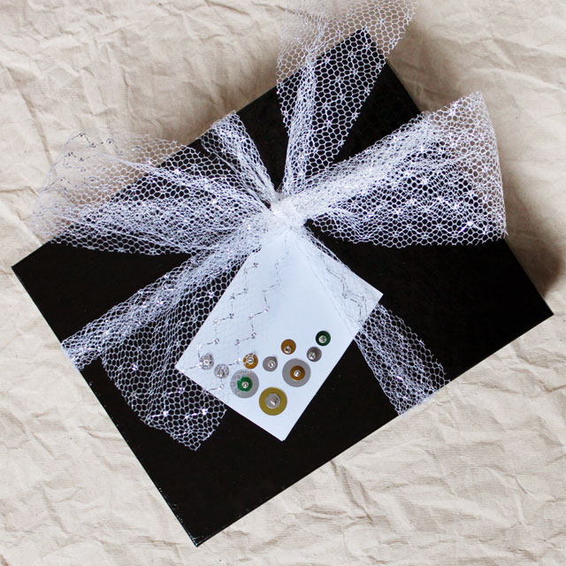 how-to-make-a-gift-card-sequins-and-beads