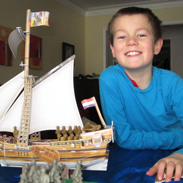 o-playing-with-his-yacht-mary-3d-jigsaw-puzzle