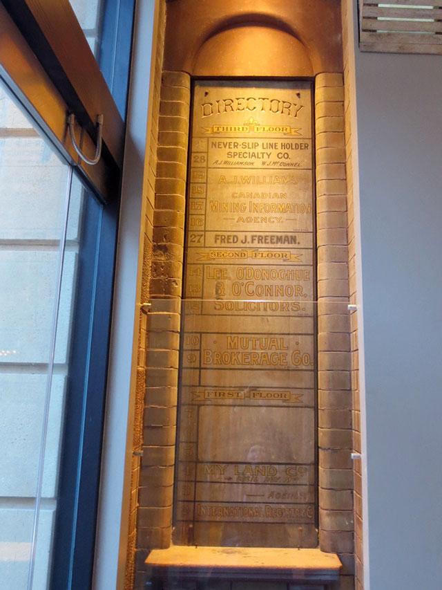 original-foyer-sign-in-dineen-building-toronto