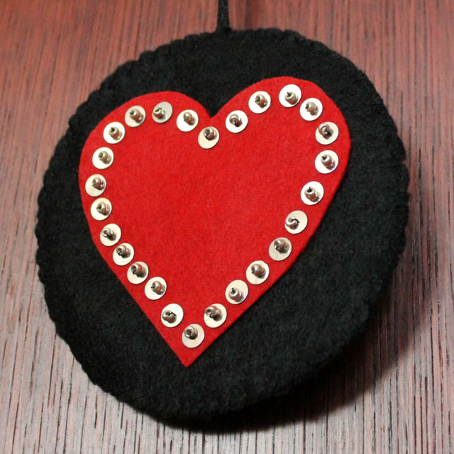 handmade-valentine-decoration-felt-hearts-with-sequins-and-beads-detail