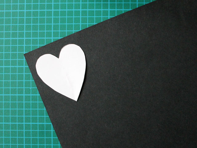 making-a-paper-heart-for-a-handmade-valentine-card