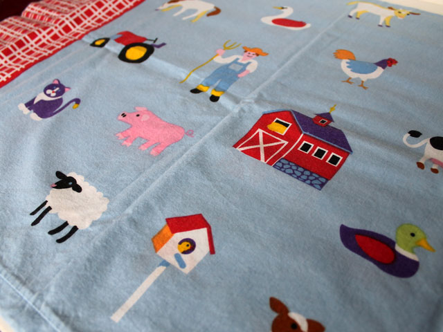 thrifted-olive-kids-cotton-pillow-cases-farm-print-cat02