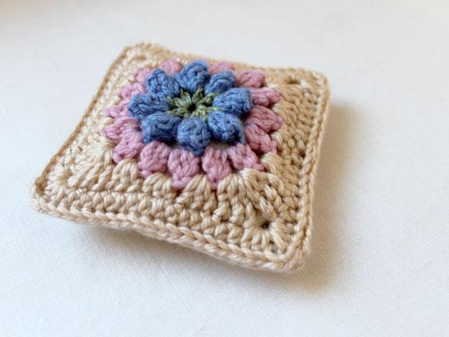 dadas-place-primavera-flower-granny-square-made-into-a-sachet-cover