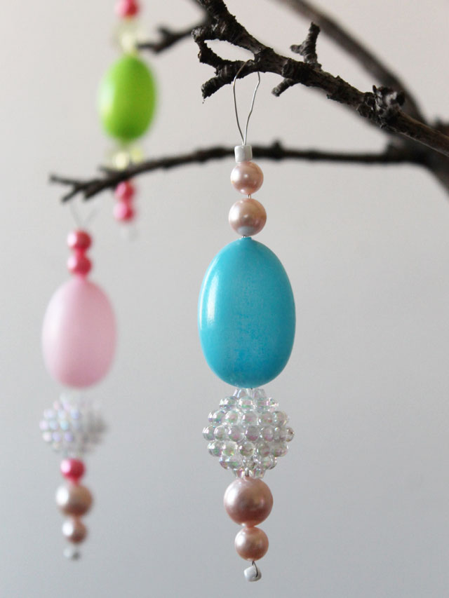 how-to-make-hanging-easter-ornaments-with-new-and-vintage-beads-and-blow-mold-eggs