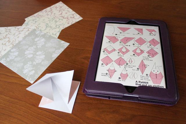 making-origami-rabbit