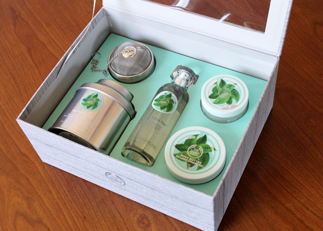 body-shop-fuji-green-tea-deluxe-gift-set