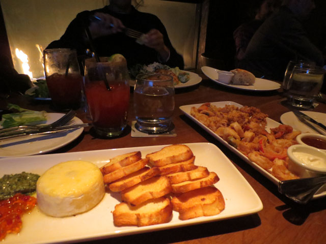 appetizers-at-the-keg-king-street-west-toronto