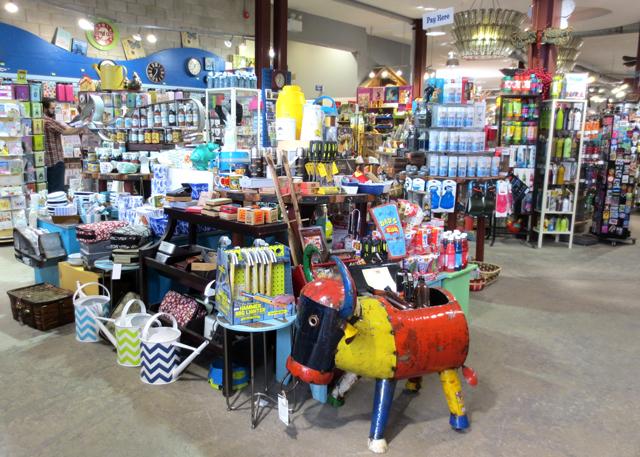 blue-banana-shop-kensington-market-toronto