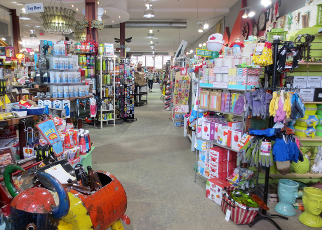 inside-blue-banana-shop-kensington-market-toronto