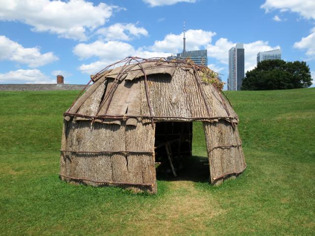 cultural-village-dwelling-aboriginal-pavilion-toronto-2015