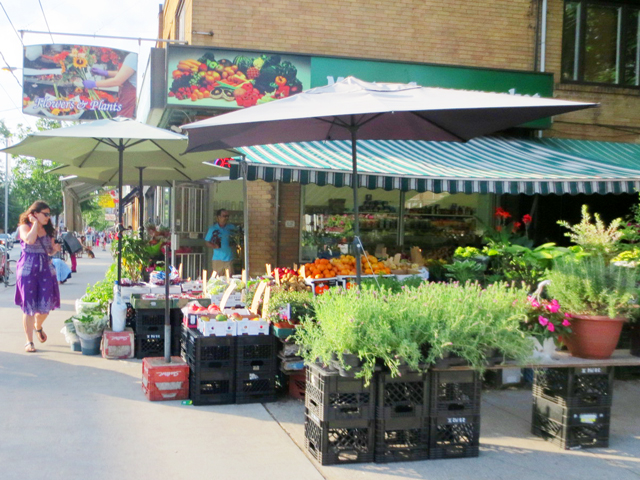 fruit-and-vegetable-market-on-roncesvalles