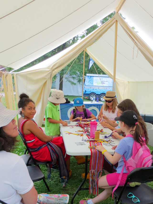 learning-how-to-finger-weave-at-aboriginal-pavilion-toronto