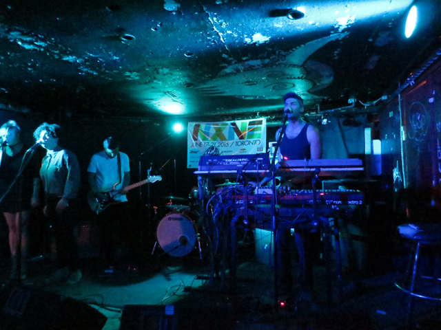 nxne-at-sneaky-dees-2015
